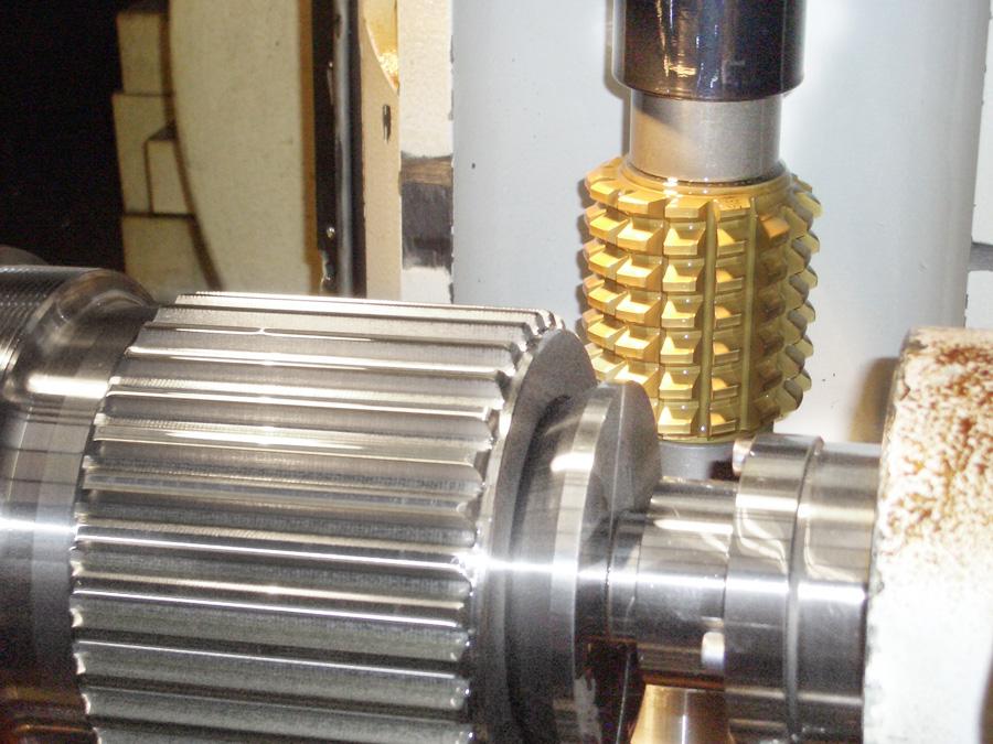 Bearbeitung einer Zahnwelle DIN 5480 auf der Maschine